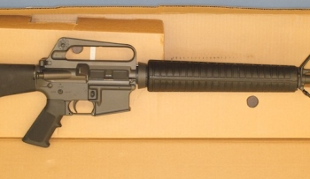 Colt-M16A2-machine-gun-715-large2